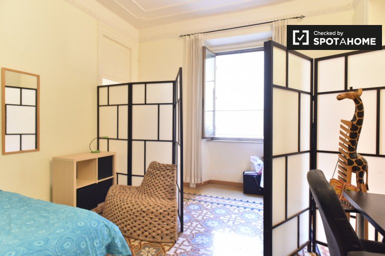 Rooms for rent in 4-bedroom apartment in Centro Storico Rome