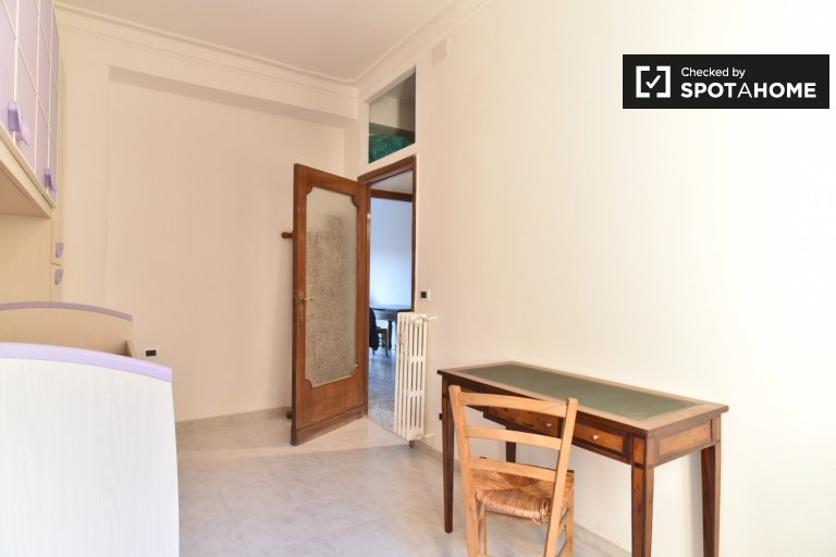 Room for rent in 2-bedroom apartment in Monte Sacro, Rome