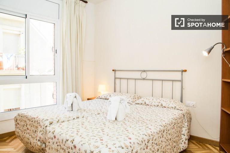 Komfortowy wynajęty apartament w Gràcia w Barcelonie