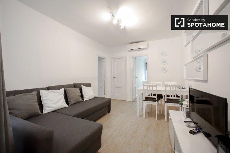 Apartamento de 3 dormitorios en alquiler en Extramurs, Valenica.