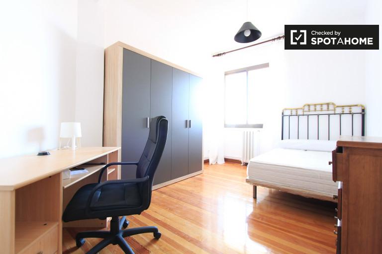 Bedroom 4- double bed
