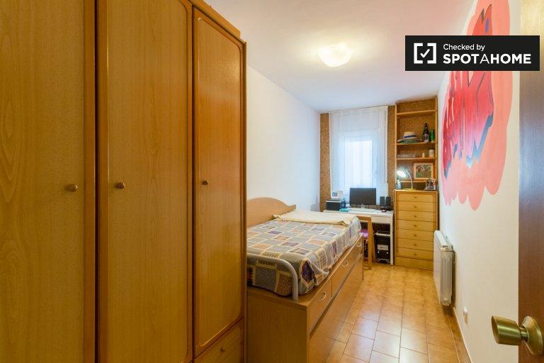 Zimmer zu vermieten in 4-Bett-Wohnung, L'Hospitalet de Llobregat