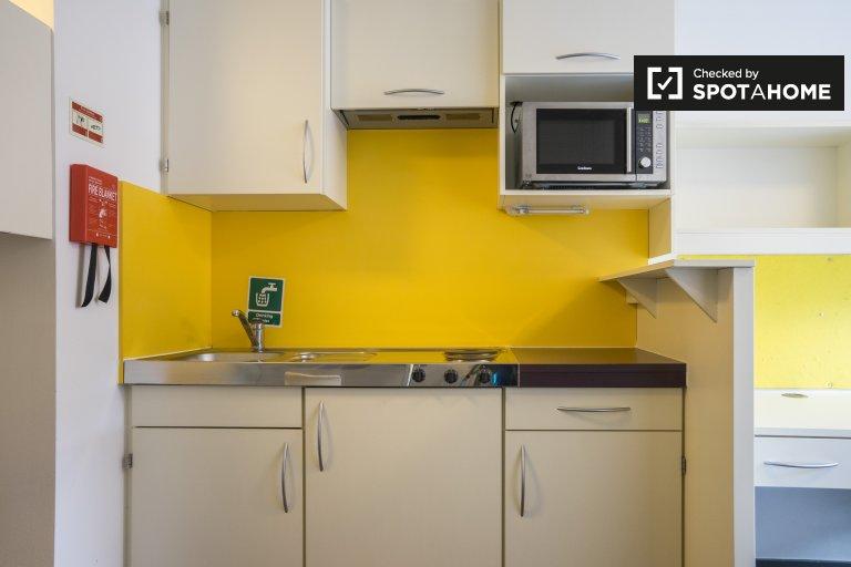 Einfaches Studio-Apartment zur Miete in Hammersmith, London
