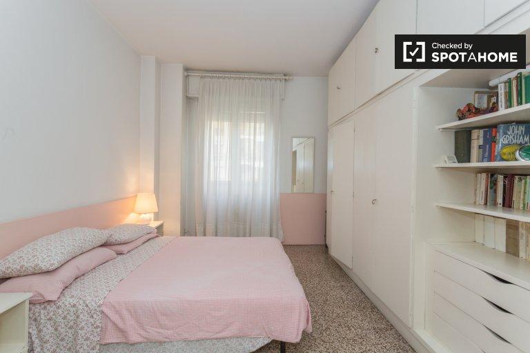 Piękny pokój z 2 sypialniami w Bisceglie w Mediolanie