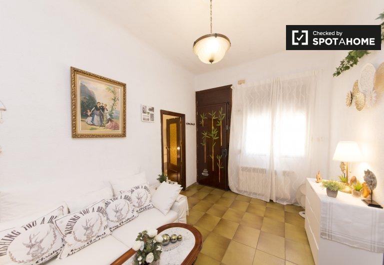 3-bedroom apartment for rent in Legazpi, Madrid