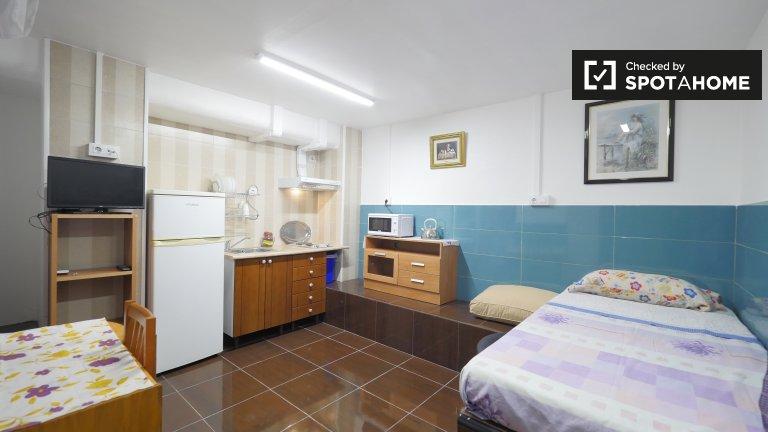 Studio chambre à louer dans appartement à Hospitalet de Llobregat