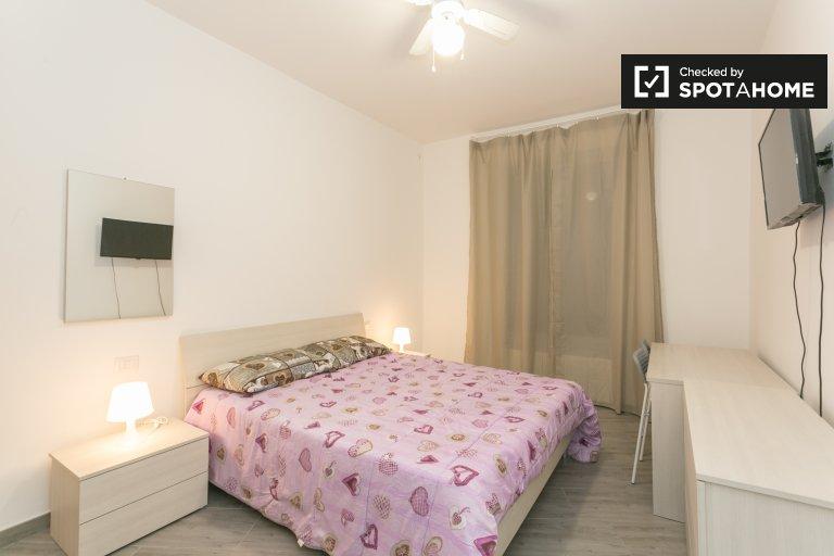 Sunny room in 3-bedroom apartment in Quarto Oggiaro, Milan
