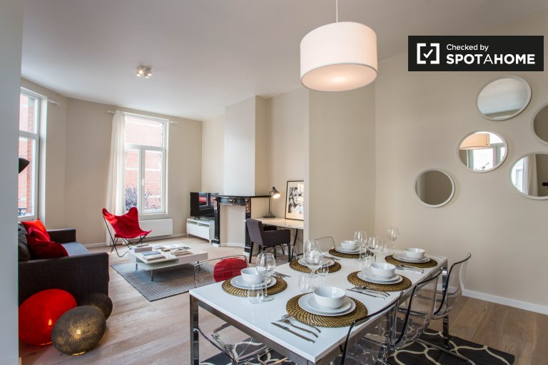 Stylish 1-bedroom apartment with balcony for rent in Ixelles