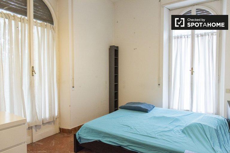 Pokój do wynajęcia w 2-pokojowe mieszkanie w Testaccio, Rzym