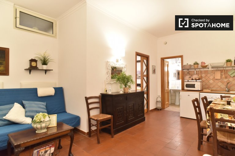 Spacious 1-bedroom apartment for rent in Trastevere, Rome