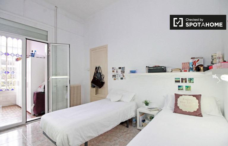 Twin Beds in Beds for rent in residence hall in Eixample Esquerra, near Universitat de Barcelona