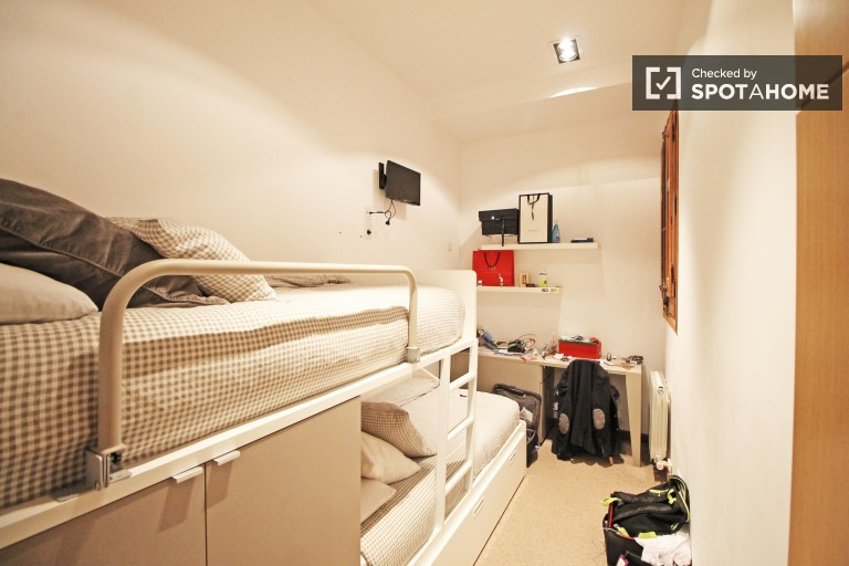 Bedroom 2 - shared room