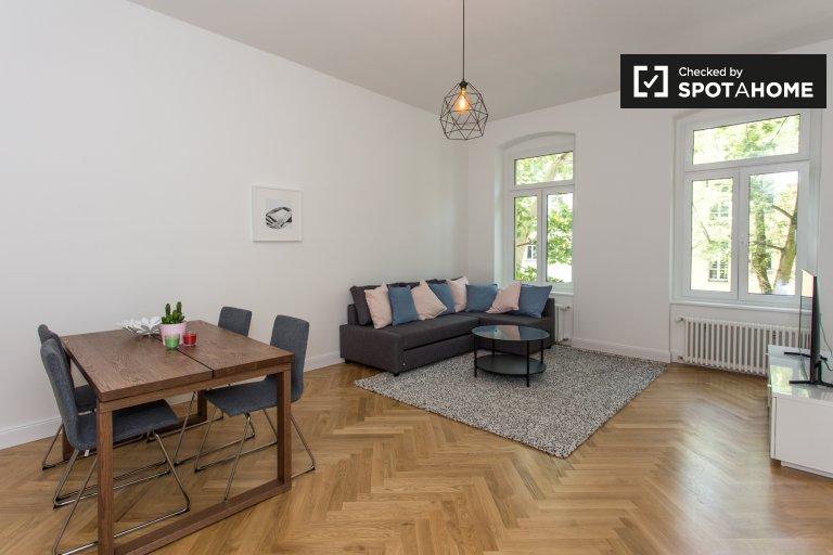 Mitte, Berlin'de kiralık 2 yatak odalı şık daire