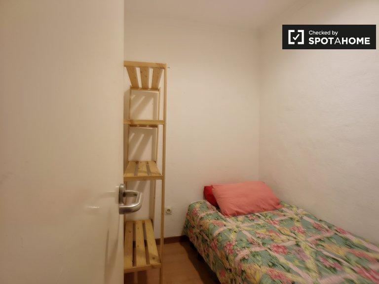 Bonita habitación en alquiler en apartamento de 3 dormitorios en el Born