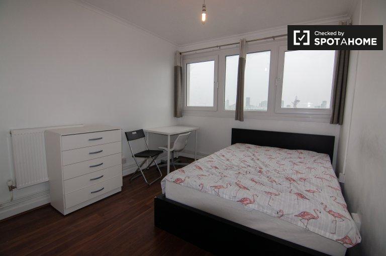 Pokoje do wynajęcia w 4-pokojowym mieszkaniu w Mile End, Londyn