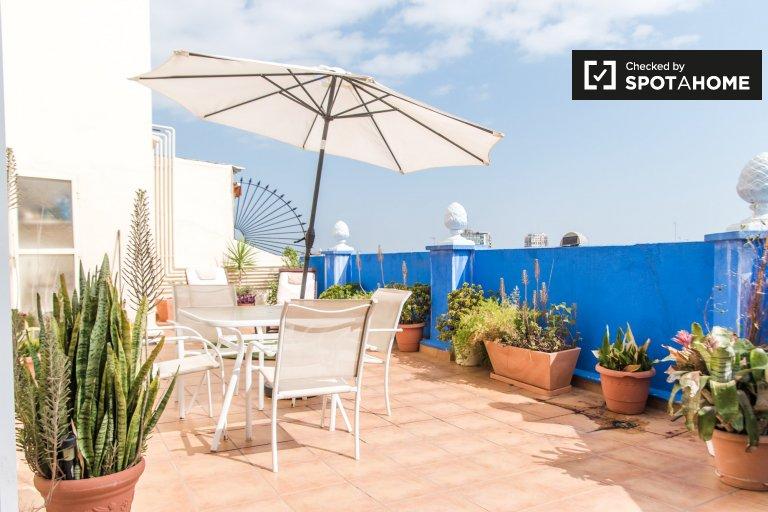 Apartamento de 3 dormitorios en alquiler en Patraix, Valencia