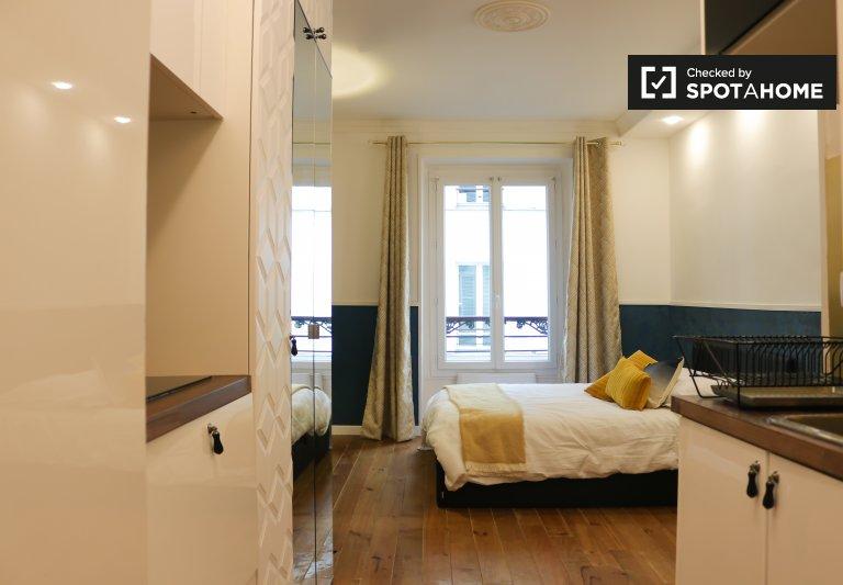 Luxe studio apartment for rent in the 8th arrondissement