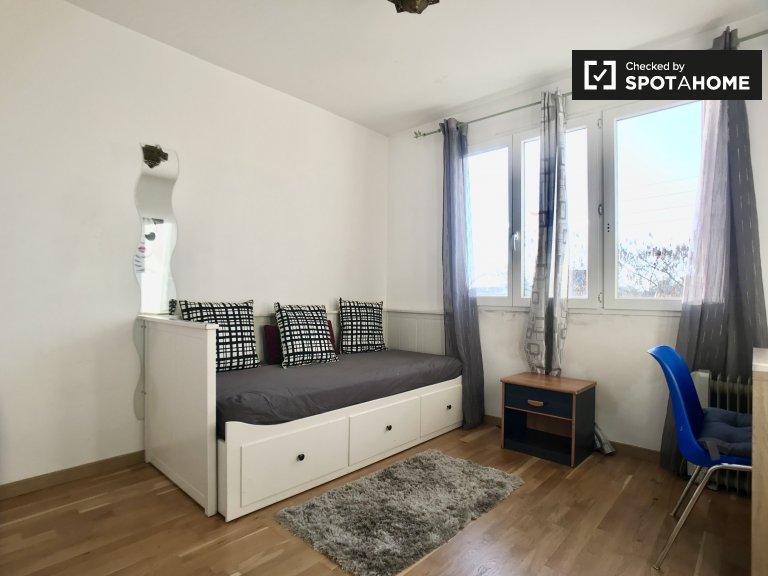 Chambre simple, appartement 2 chambres, Chennevières-sur-Marne