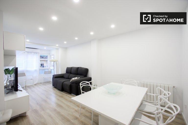 Nowoczesne 3-pokojowe mieszkanie do wynajęcia w Extramurs, Valencia