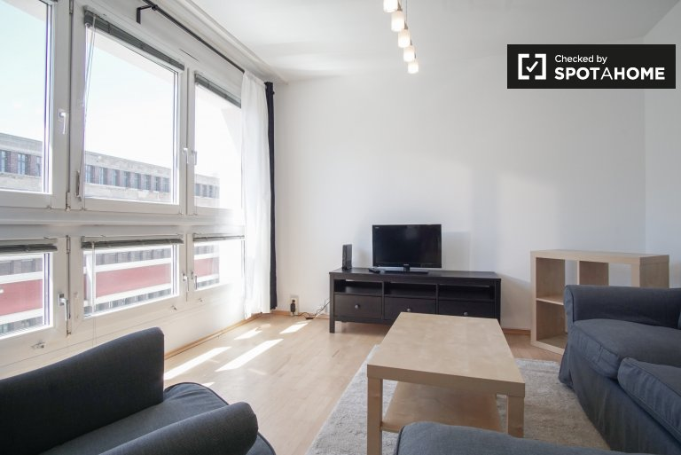 Bright apartment with 3 bedrooms for rent in Mitte