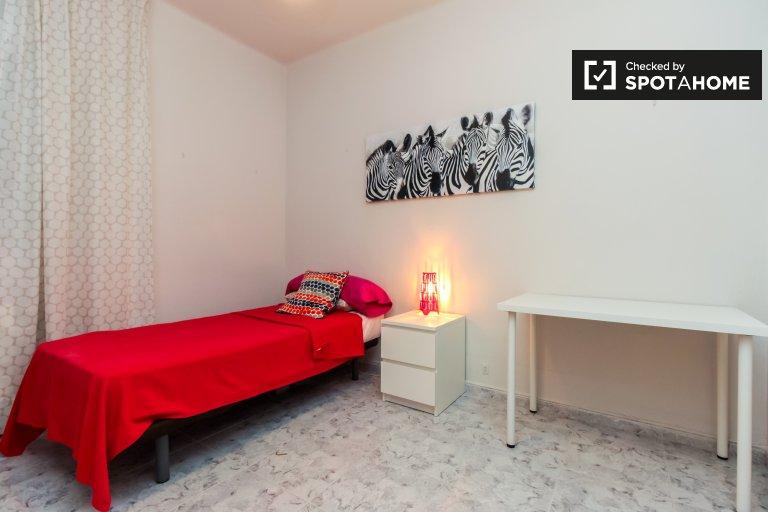 Einzelzimmer zu vermieten, 4-Zimmer-Wohnung, Horta-Guinardó