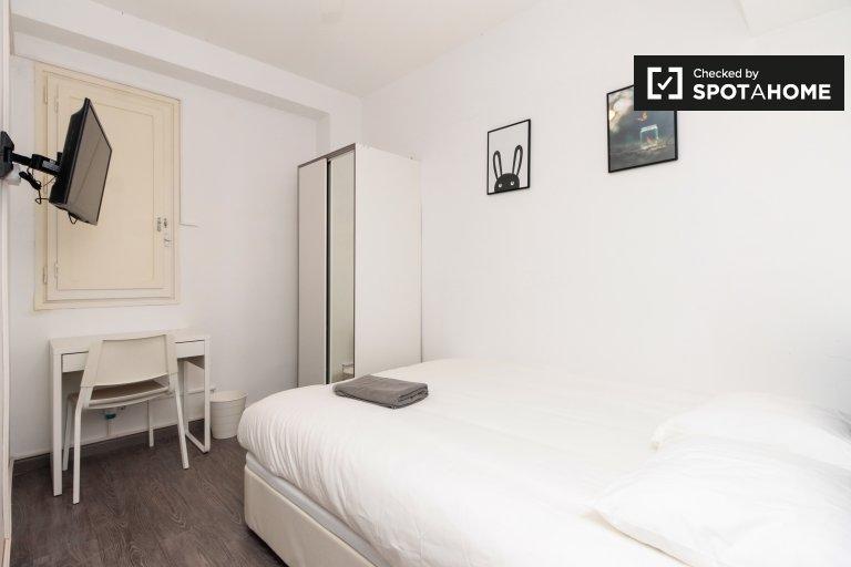 Eixample Dreta'da 5 yatak odalı dairede kiralık oda