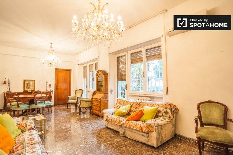 Spacieux appartement de 3 chambres à louer à EUR, Rome
