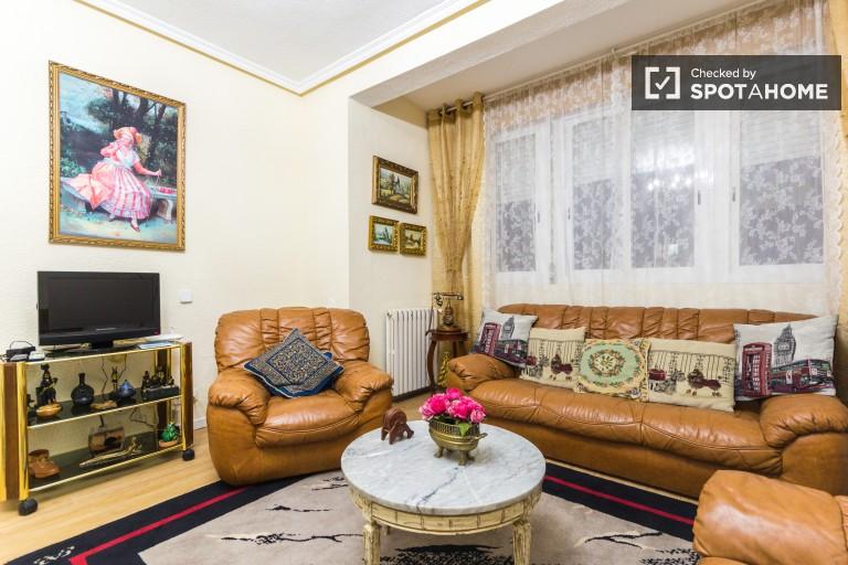 Apartment mit 2 Schlafzimmern und Nebenkosten inklusive, Chamartín - Madrid