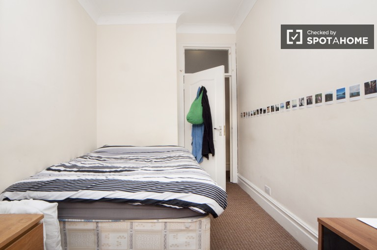 Bedroom 1 with Double Bed with Balcony