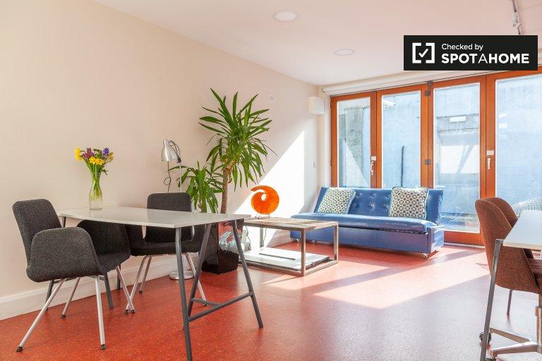 Studio flat to rent in Clontarf, Dublin