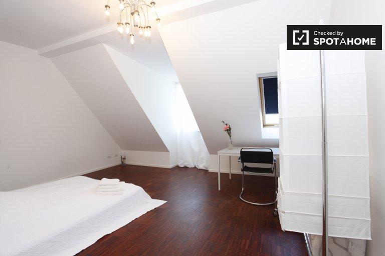 Zewnętrzny pokój w mieszkaniu w Prenzlauer Berg, Berlin