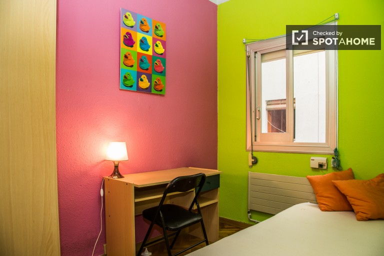Cozy room in shared apartment Les Corts, Barcelona