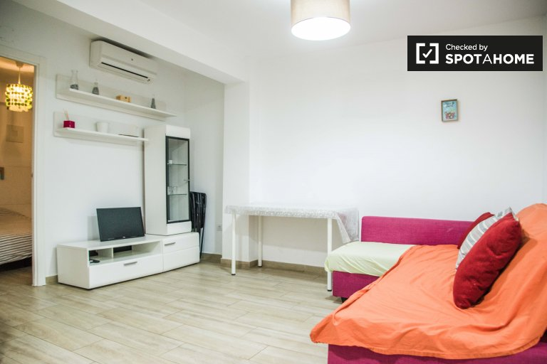 Camins al Grau'da kiralık aydınlık 2 yatak odalı daire