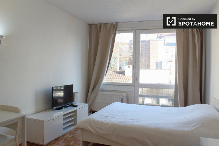 Moderno apartamento de estúdio para alugar em Ixelles, Bruxelas