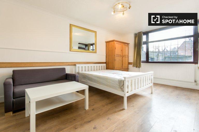Zimmer zu vermieten in 4-Zimmer-Wohnung, Whitechapel, London