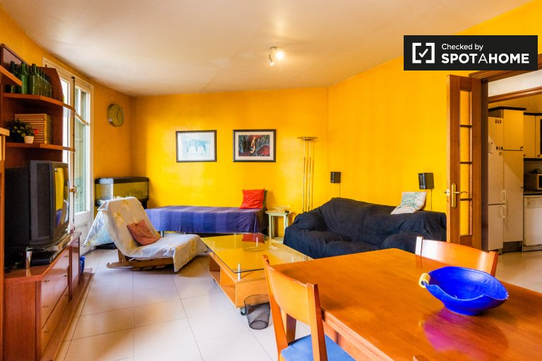 3-bedroom apartment for rent in Poble-sec, Barcelona