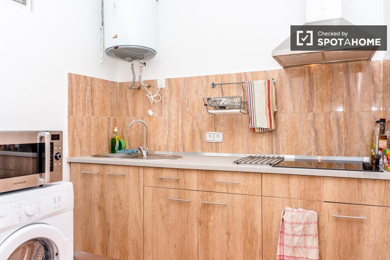 Exterior room in shared apartment in El Raval, Barcelona