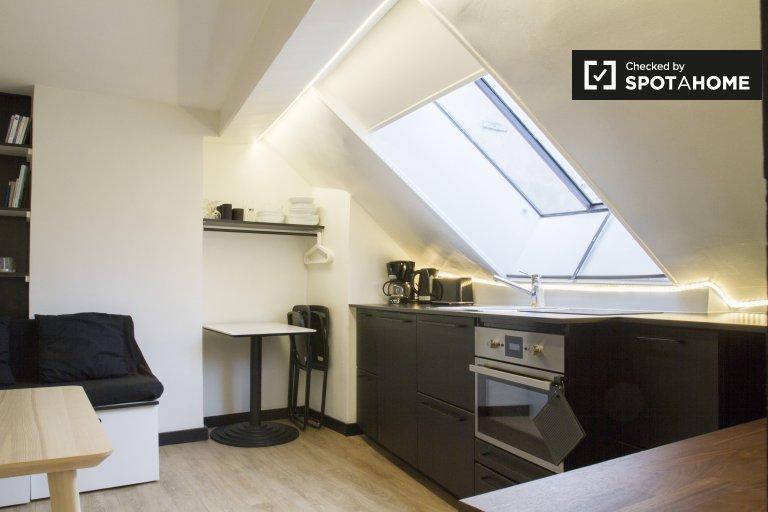 Studio à louer au 3ème arrondissement, Paris
