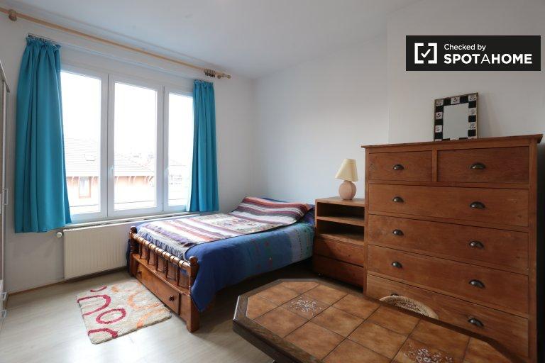 Chambre lumineuse dans un appartement de 2 chambres à Koekelberg, Bruxelles