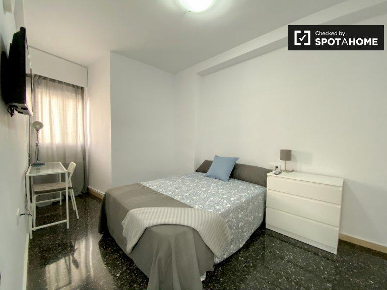 Umeblowany pokój w apartamencie z 5 sypialniami w Extramurs, Valencia