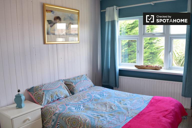Riesiges Zimmer in 3-Zimmer-Wohnung in Tallaght, Dublin