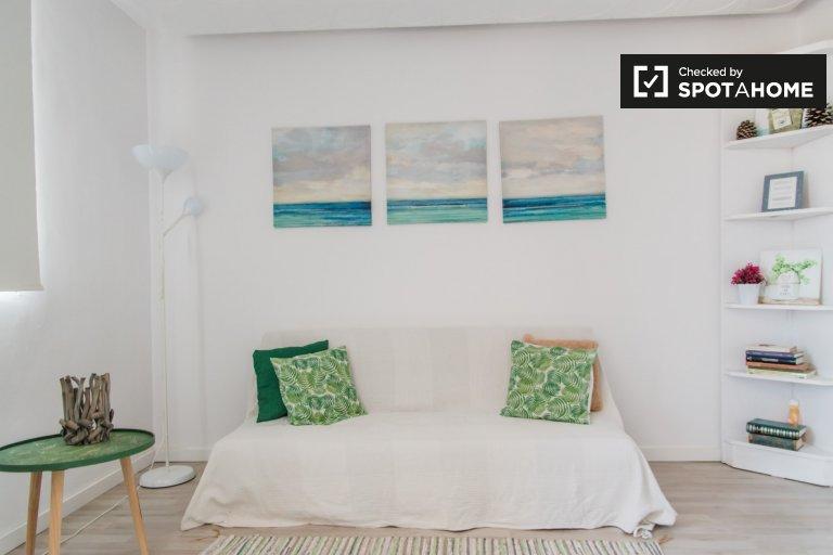 Apartamento de 1 quarto brilhante para alugar em Algirós, Valência