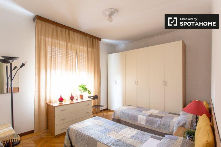 Bed in furnished shared room, Villaggio dei Giornalisti