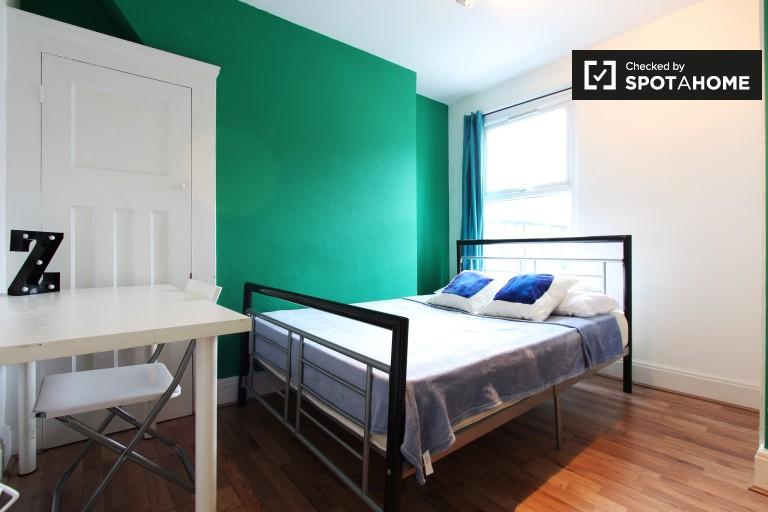 Bedroom 4 -. Double bed