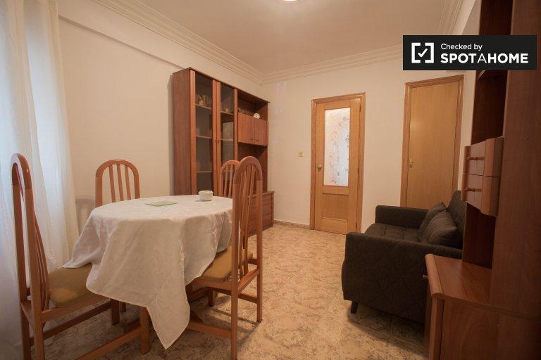 Apartamento de 3 dormitorios en Camins al Grau Valencia.