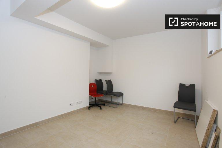 Pokoje do wynajęcia w 3-pokojowe mieszkanie, Westend, Berlin