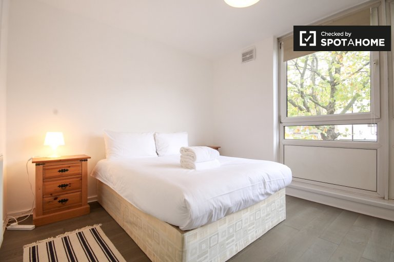 Bright 2-bedroom apartment for rent in Camden, Travelcard Zone 1