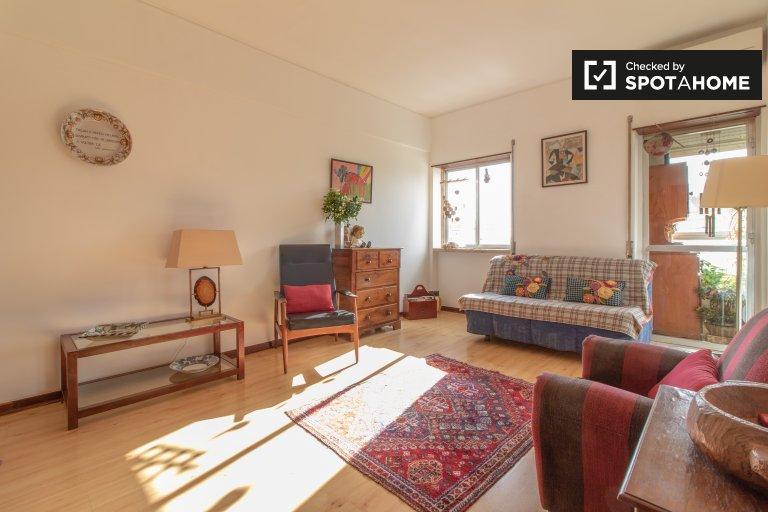 Apartamento de 1 quarto elegante para alugar em Campo de Ourique