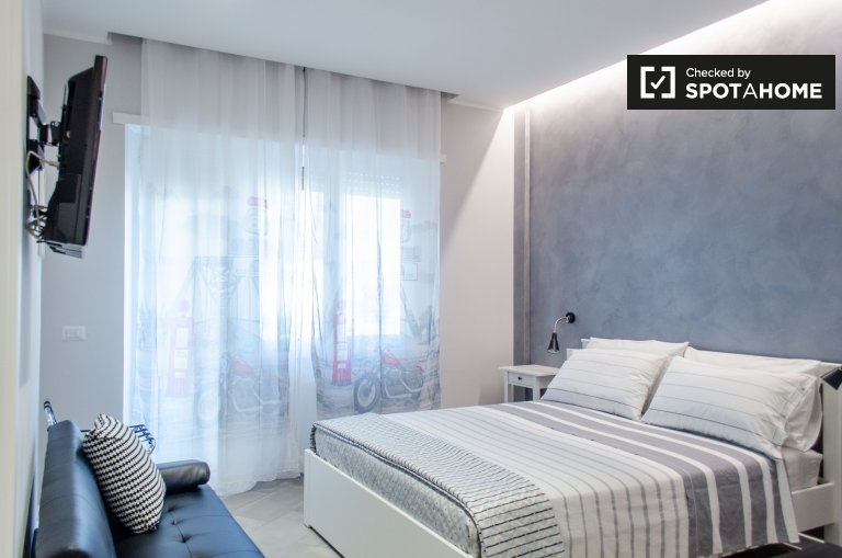 Bright 1-bedroom apartment with AC to rent in quiet Ciampino