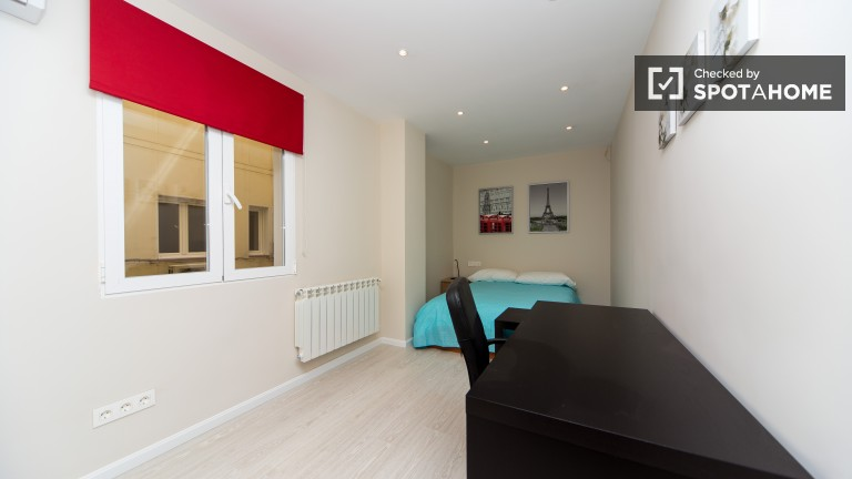 Bedroom 27 - double bed and en-suite